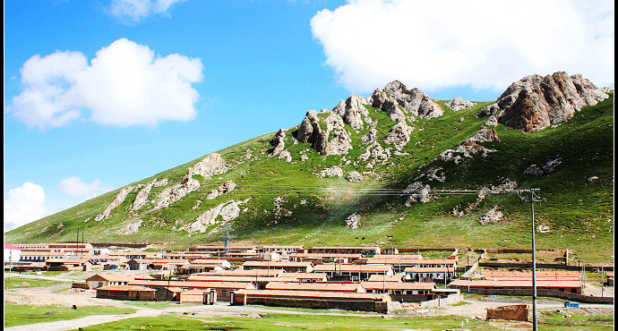 概况 蜂蜂点评(21条) 我要点评 景点位置 青海省果洛藏族自治州玛多县