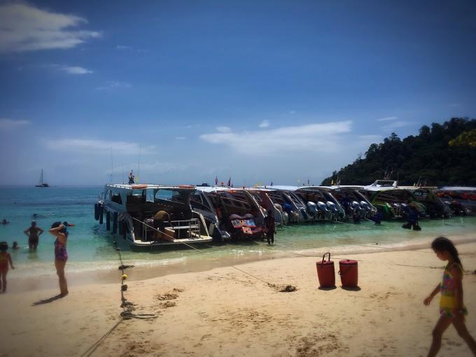 2017年新春泰国游 (曼谷,美功,安帕瓦,甲米奥兰海滩,莱利海滩,兰塔岛)