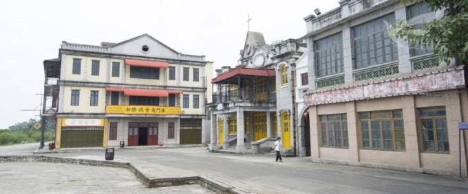 佛山,三水交汇处,距南海桂城,广州,佛山均为12公里,距南海平洲港约18