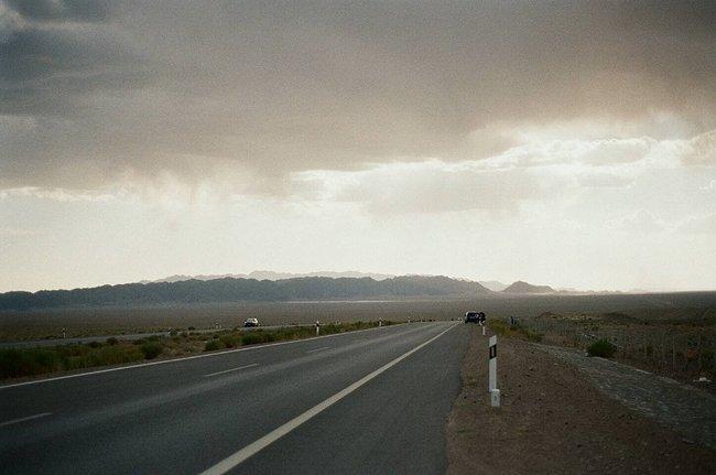 南八仙                  这里又叫双色湖,一条公路