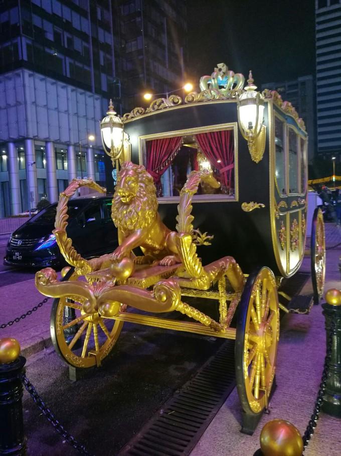 英皇娱乐平台用户登录_英皇娱乐场门口的马车