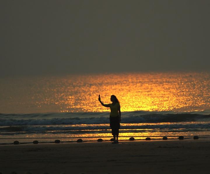 5km),南接桃花岛风景区,山海天海滨度假区,万平口海滨生态公园,国际