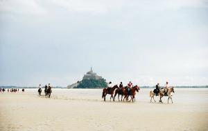 【诺曼底图片】海滩赤脚穿越 最易错过的圣米歇尔山最佳观景体验