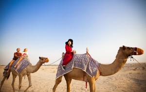 【迪拜图片】【Mao&Lily奇迹之旅】迪拜阿布扎比,红裙白纱在那沙漠无边的地方