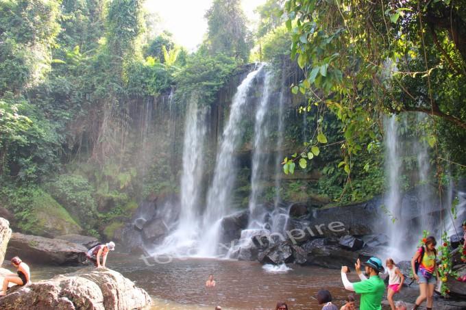 荔枝山:荔枝山是柬埔寨佛教圣地和著名风景区,坐落在驰名世界的吴哥