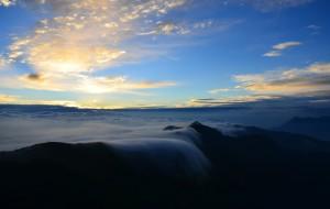 【汉源图片】轿顶山——日出云海相伴