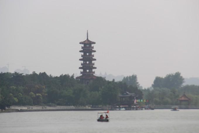 徐州现在正在申报云龙山和云龙湖为5a景区,但我感觉这种风景在合肥顶