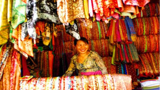 寻踪火山之旅 巴厘岛京打马尼火山 圣泉庙 乌布皇宫 乌布市场 巴厘岛