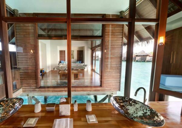maldives攻略,  马尔代夫希尔顿港丽岛水屋的区别 -百科-马尔代夫-专业代理-海岸线假期-唯一官方网站
